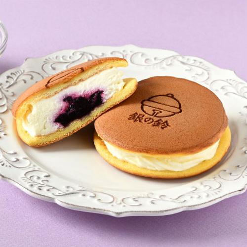 銀の鈴サンドパンケーキ(レアチーズ・苺)